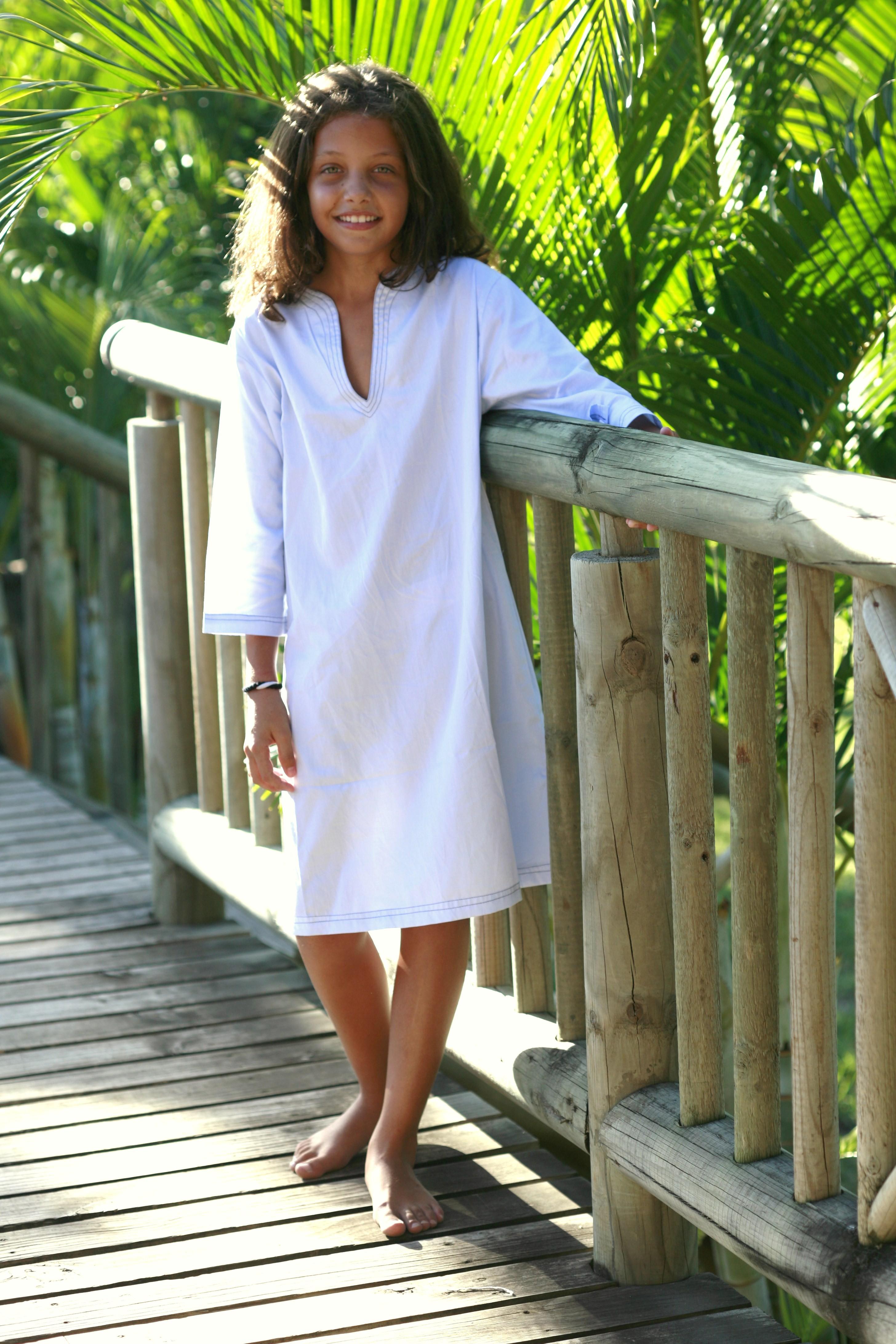 chemise de nuit fille 10 ans fille peignoirs petit bateau fiction chemise de nuit. Black Bedroom Furniture Sets. Home Design Ideas