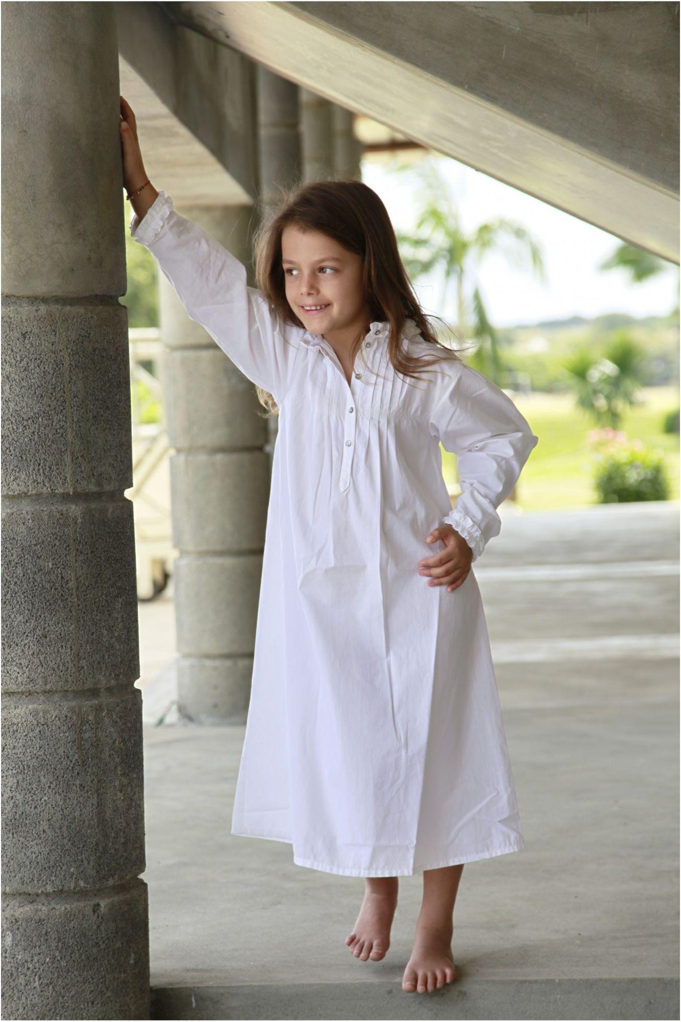 chemise de nuit fille bernadette blanc l 39 orangerie. Black Bedroom Furniture Sets. Home Design Ideas