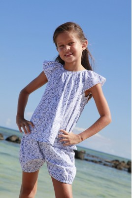 Girls' short bloomer pyjama made of printed sky blue fabric